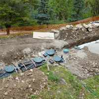 Avril 2018 : Installation des fosses septiques pour l'accueil